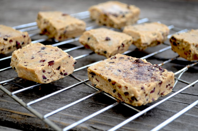 protein-cookie-dough-bars-750x497